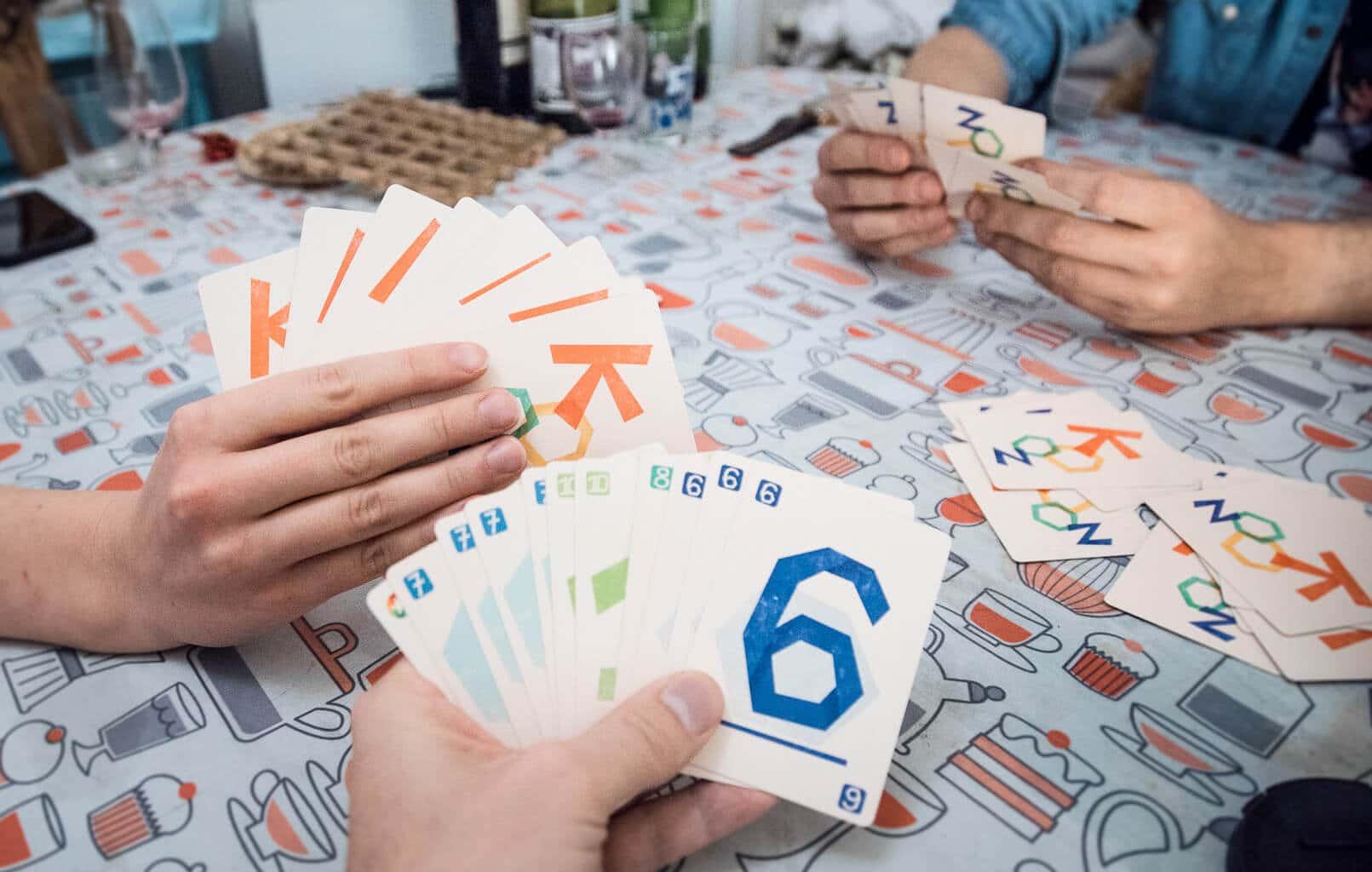 Kooz, le jeu de cartes. Partie entre coloc pour tester le prototype.